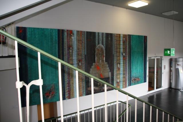 Eine Arbeit von Günther Beckers im 1. Stock der Bischöflichen Akademie in Aachen. Thema: Carolus Magnus.
