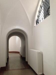 Das ist nur ein Blick in einen Kellerflur des Dürener Museums. Oben sieht es noch viel schöner aus.
