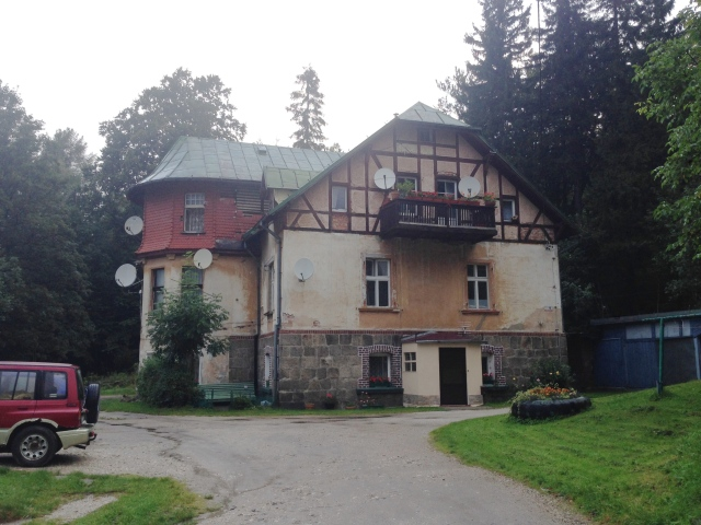 Wer etwas über diese Häuser weiß, kann gern unter margret.vallot@piraten-ufw.de zu mir Kontakt aufnehmen.