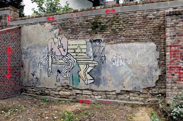 Auf diesem Foto sind die Arbeiten markiert, die zur Stabilisierung an der Mauer vorgenommen wurden. Foto und Markierung: D. u. R. Weinkauf
