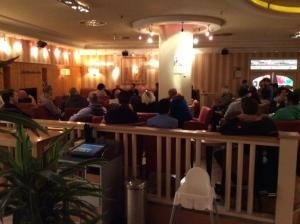 Knapp drei Dutzend Bürgerinnen und Bürger kamen zu einem via Facebook angekündigten Treffen. Ziel: Die Raubserie in Aachen beenden.