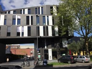 Neuere, große Gebäude in Aachen sehen ja eigentlich alle gleich aus. Eine Uniformität, die mir gefällt.