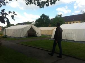 Die Zelte, in denen die Essensausgabe stattfindet.
