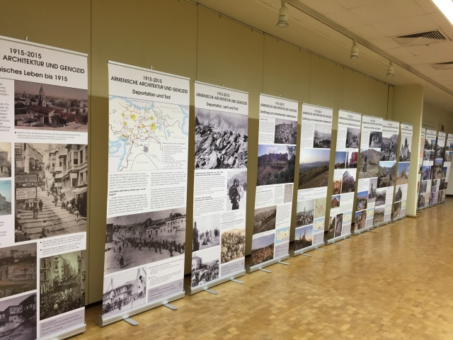 Eine Ausstellung in der Volkshochschulen Aachen vermittelt einen Überblick über Verlust und Zerstörung des armenischen Architekturerbes.