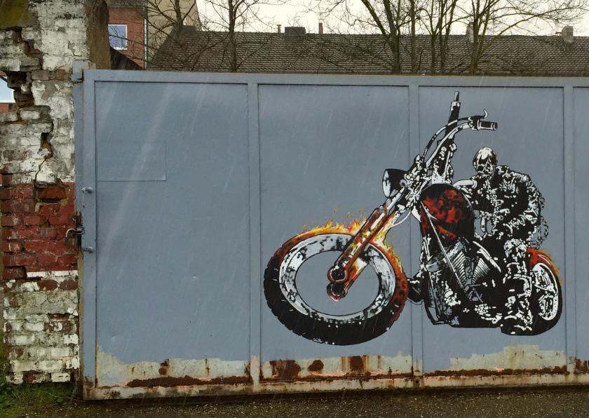Graffitis gibt es im Frankenberger Viertel nicht zu knapp. Das hier befindet sich auf einem Freigelände in Nähe der unteren Bismarckstraße.