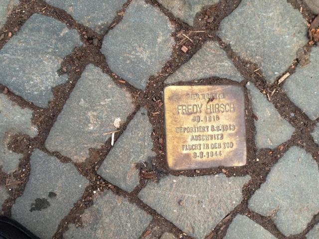 Stolperstein für Fredy Hirsch in der Richardstraße in Nähe des Suermondt-Ludwig-Museum.