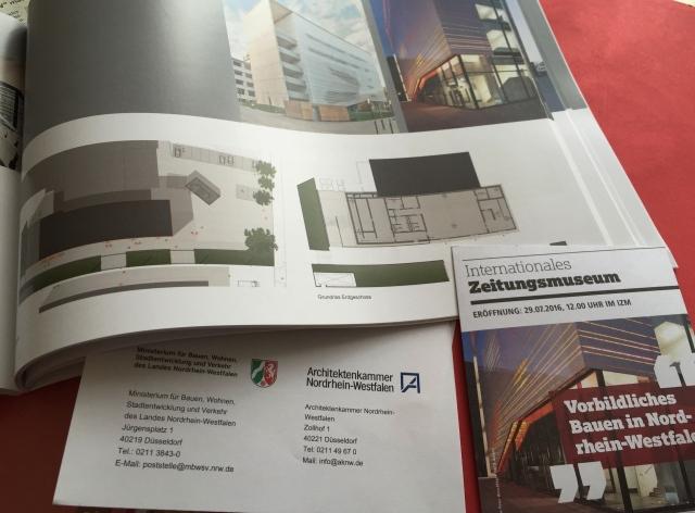 """Aachen, Wüllnerstraße: Vorbildlich. radsächlich ist die Aluminium-Lamellenfassade """"von hoher ästhetischer Qualität"""" und auch sonst eifach perfekt. Architekt: IParch GmbH, Aachen. Bauherr: Bau und Liegenschaftsbetrieb, Niederlassung Aachen."""