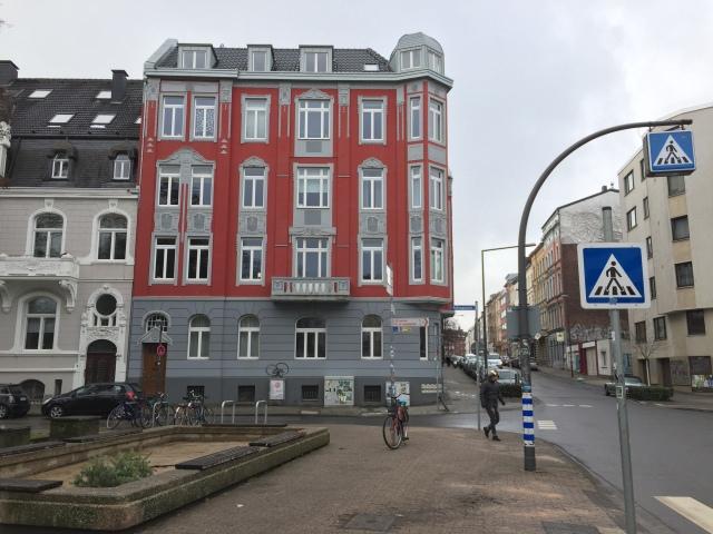 Quasi am anderen Ende des Frankenberger Viertels steht dieses Gebäude und strahlt Lebensfreude aus.