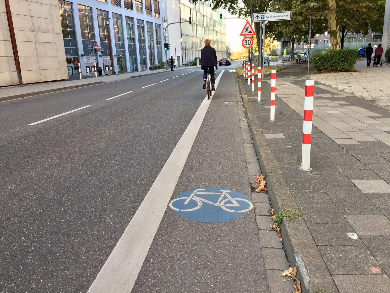 Über Fahrradwege und Fahrradstraßen
