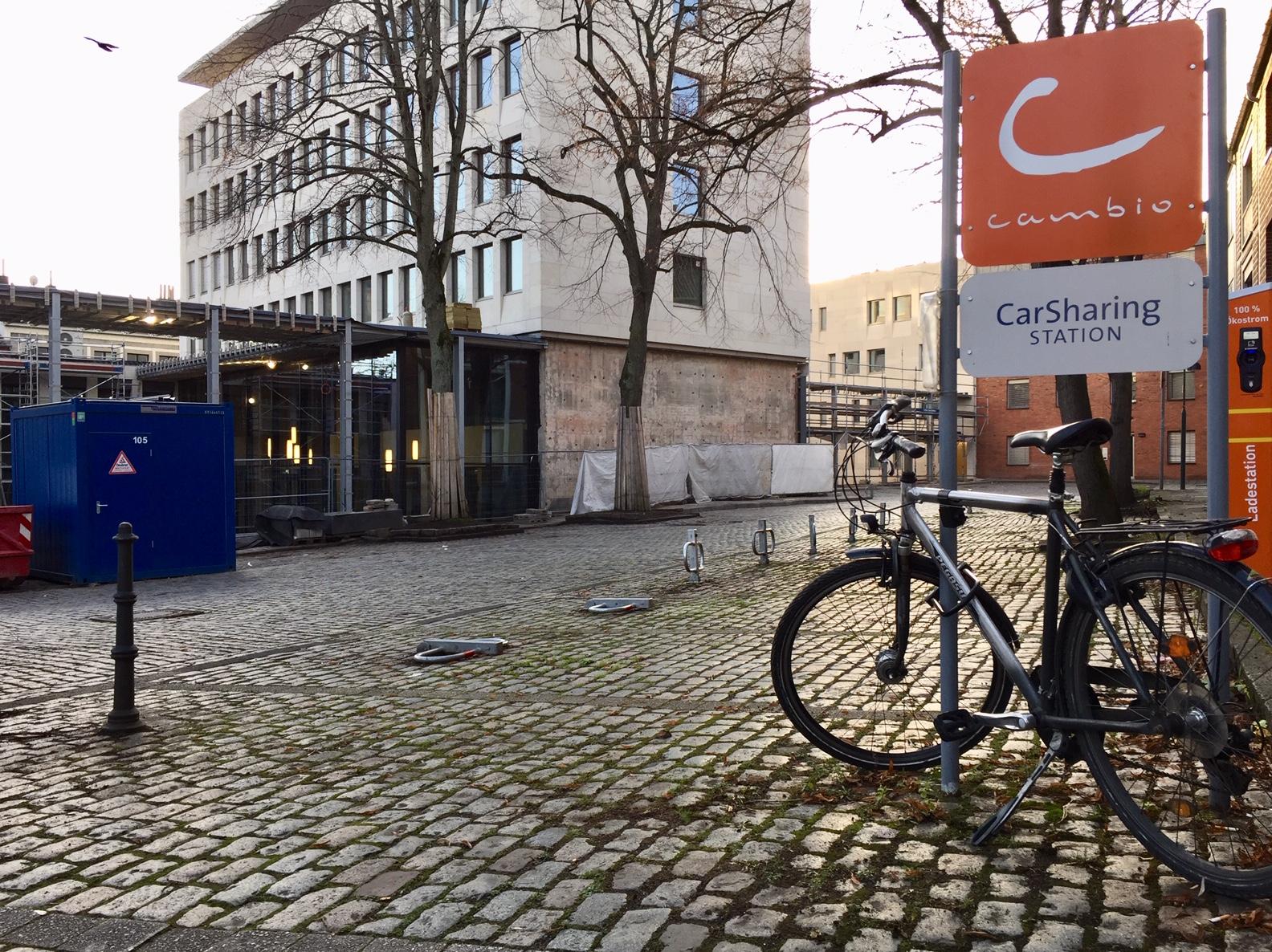 Wohin mit dem Fahrrad? Die Grünen haben eine Idee.